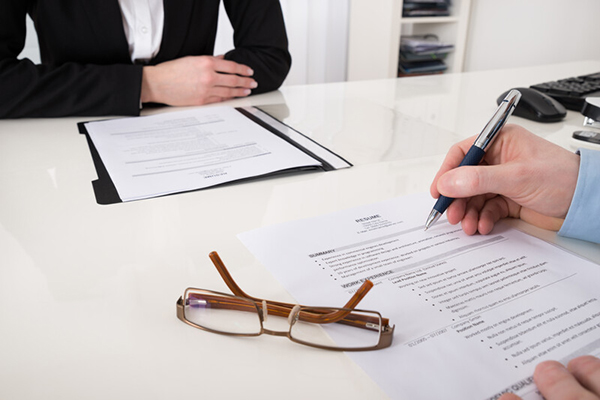 interviewer training addresses flawed interview process of focusing on validating resume in interview